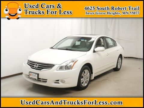 Pre-Owned 2010 Nissan Altima  FWD Sedan