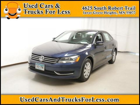 Pre-Owned 2013 Volkswagen Passat  FWD Sedan