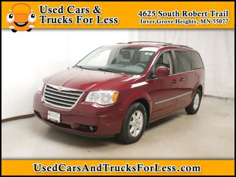 Pre-Owned 2009 Chrysler Town & Country  FWD Minivan/Van