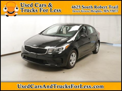 Pre-Owned 2017 Kia Forte  FWD Sedan