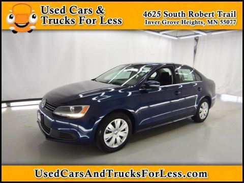 Pre-Owned 2013 Volkswagen Jetta Sedan SE FWD 4dr Car