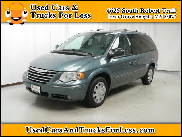 Pre-Owned 2005 Chrysler Town & Country